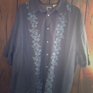 Gap men's blue flowered button down shirt  XXL